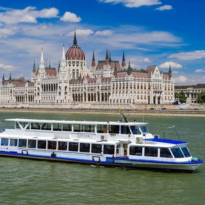http://kultturist.hu/new/wp-content/uploads/2019/08/tours-kult-turist-ith-budapest.jpg