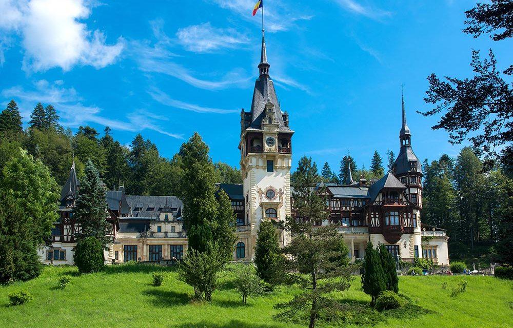 http://kultturist.hu/new/wp-content/uploads/2019/09/peles-castle-romania-kult-turist-ith-1000x640.jpg
