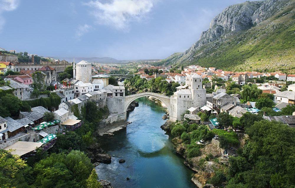http://kultturist.hu/new/wp-content/uploads/2019/10/best-of-the-balkans-mostar-bridge-panorama-kult-turist-budapest-1000x640.jpg