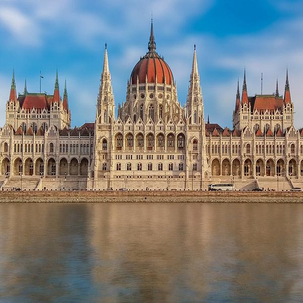 https://kultturist.hu/new/wp-content/uploads/2019/08/kult-turist-ith-budapest-tours9.jpg