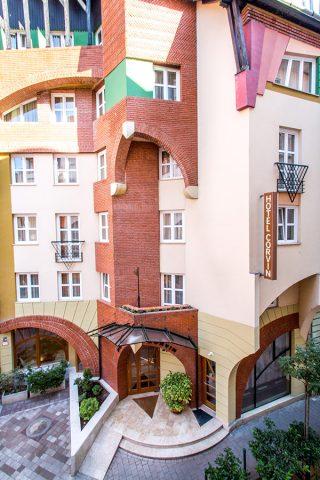 https://kultturist.hu/new/wp-content/uploads/2019/09/corvin-hotel-budapest-ith-hungary-320x480.jpg